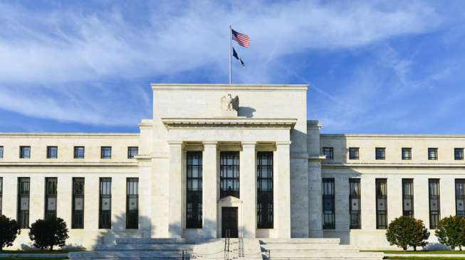 Khawatir Perlambatan Ekonomi Global, The Fed Pangkas Suku Bunga