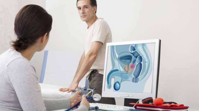 Illustration of a person consulting prostate problems to a doctor.  (Shutterstock)