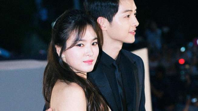 Song Hye Kyo dan Song Joong Ki. [Koreaboo]