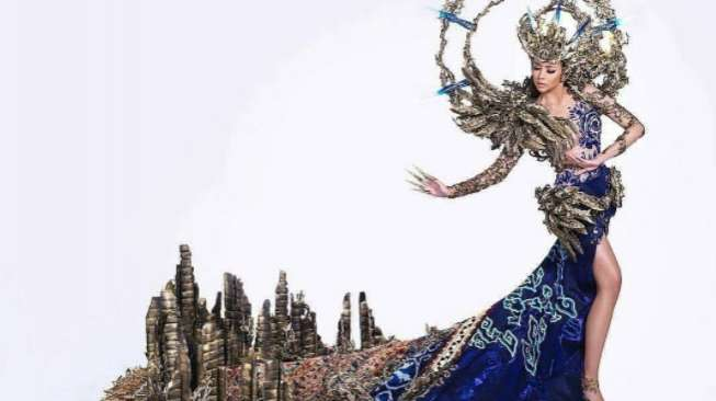 Dea Rizkita Pertahankan Best National Costume di Miss Grand International 2017
