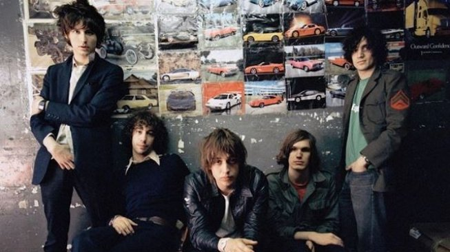 The Strokes (@thestrokes/instagram).