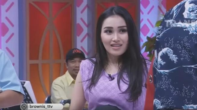 Ayu Ting Tingg (YouTube Brownis Trans TV)