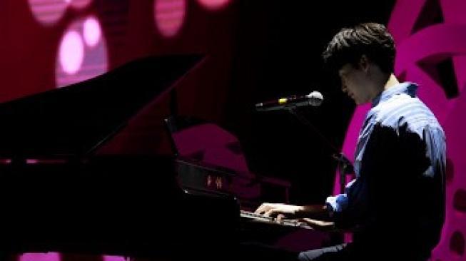 Lee Jong Suk [siaran pers]