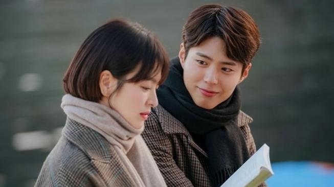 Cha Soo Hyun (Song Hye Kyo) and Kim Jin Hyuk (Park Bo Gum) dalam Encounter [Soompi]