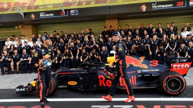 Tim Red Bull Racing. [AFP/Andrej Isakovic]