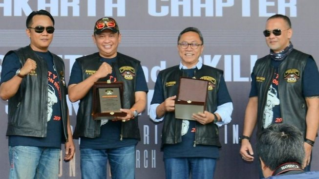 """""""Safety and Skill Precision Riding Clinic"""", oleh Harley Owners Group, di Hhlaman Gedung DPR, Jakarta, Minggu (17/3/19). (Dok: DPR)"""