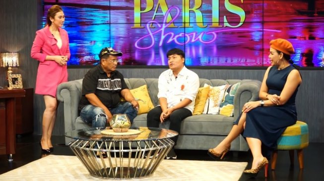 Asisten Raffi Ahmad, Merry di acara Hotman Paris Show. [YouTube]