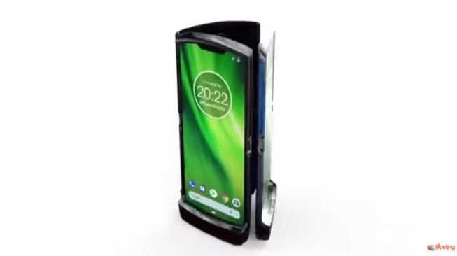 Motorola Razr. [YouTube/@liliputing]