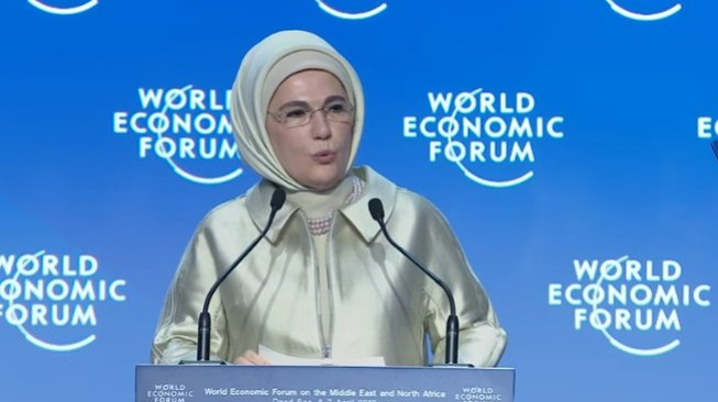Emine Erdogan, Ibu Negara Turki. (YouTube/World Economic Forum)