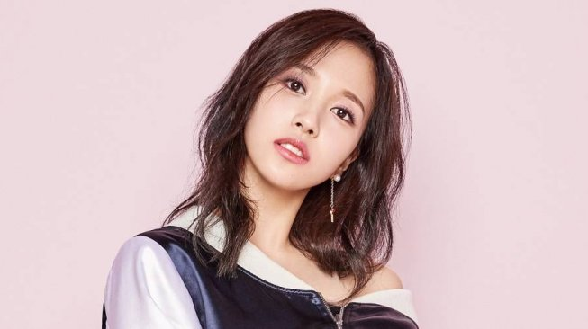 Mina Twice. (All Kpop)
