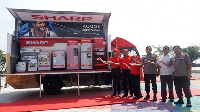 Peluncuran Sharp Mobile Display Truck. [Sharp Electronics Indonesia]
