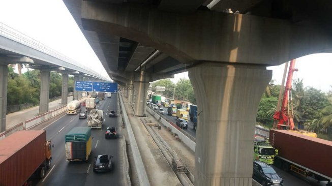 Terkendala Bentangan SUTET, Proyek Tol Japek Elevated Bakal Molor