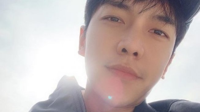 Lee Seung Gi [Instagram/@leeseunggi.official]