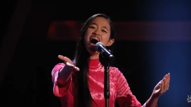 Claudia Emmanuela Santoso di ajang The Voice Germany 2019. [YouTube The Voice of Germany]