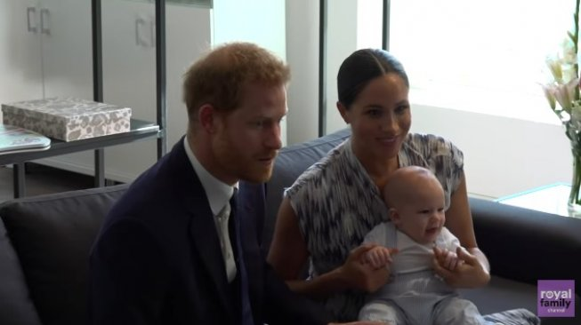 Potret bayi Archie di Afrika. (YouTube/The Royal Family Channel)