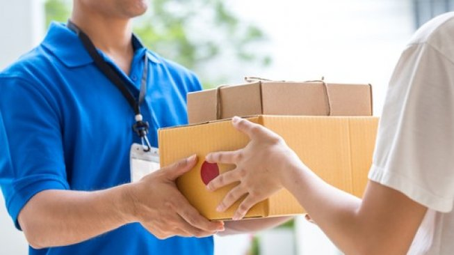 Ilustrasi layanan same day delivery. (Shutterstock)