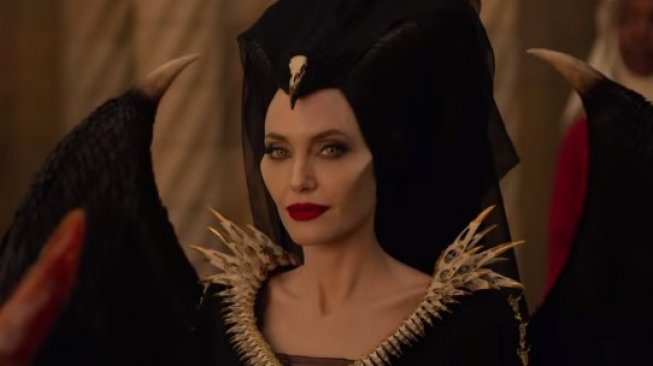 Angelina Jolie Maleficent. (YouTube/Walt Disney Studios)