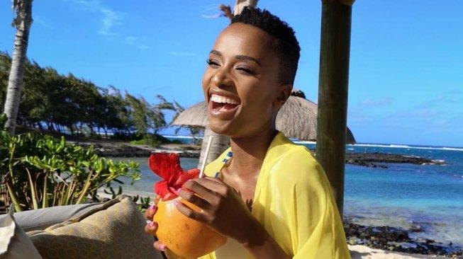 Ini Pidato Zozibini Tunzi yang Membuatnya Dipilih Jadi Miss Universe