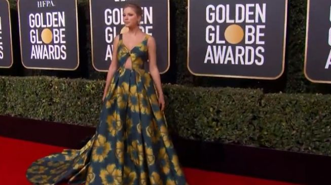 Taylor Swift di Golden Globes 2020. (YouTube/ET Style)