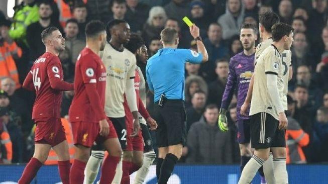 Pemain Cecar Wasit, Manchester United Dihukum FA