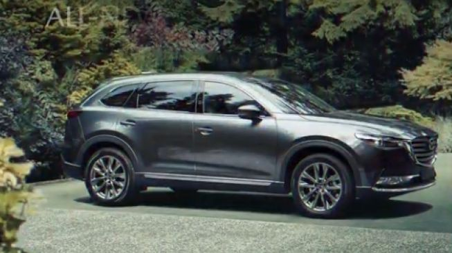 Mazda CX-9 AWD full body [Mazda Indonesia].