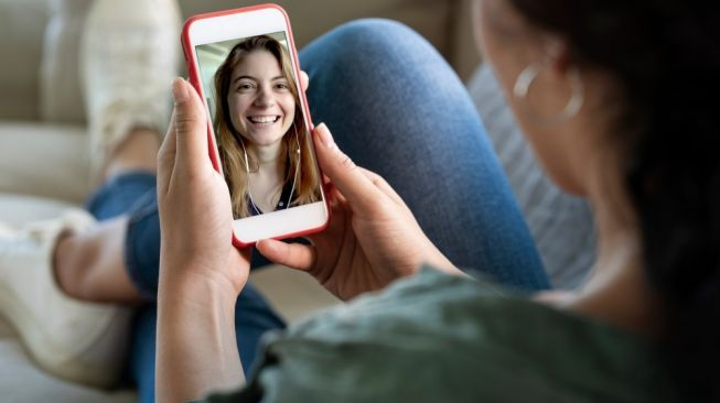 Ilustrasi video call. [Shutterstock]