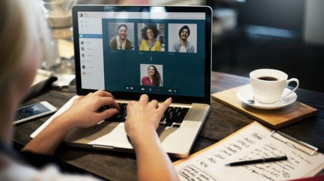 Ilustasi video conference. (Shutterstock)