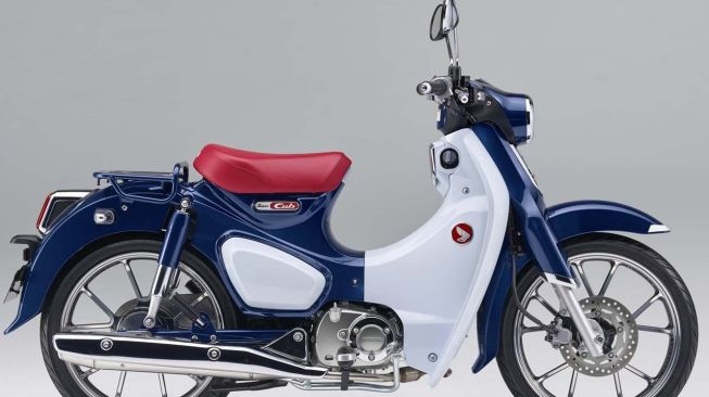 Honda Super Cub C125 warna biru (Young Machine)