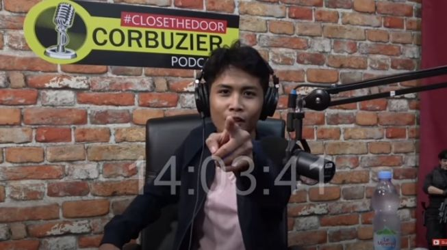 Bintang Emon di podcast Deddy Corbuzier [Youtube/Deddy Corbuzier]