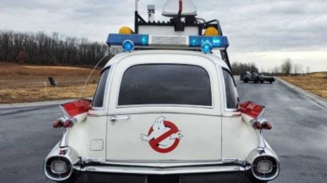 Mobil Ghost Busters. (autoclassics.com)