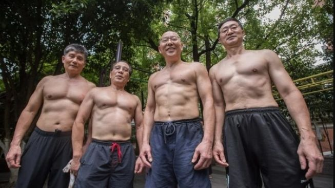 Kakek tua six pack. (Dok: China Daily)