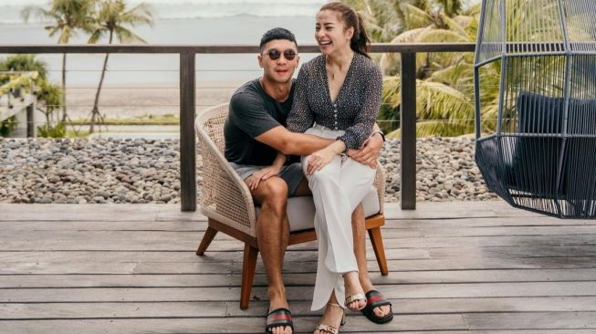 Hits: Gaya Nikita Willy Honeymoon hingga Tante Ernie Gowes