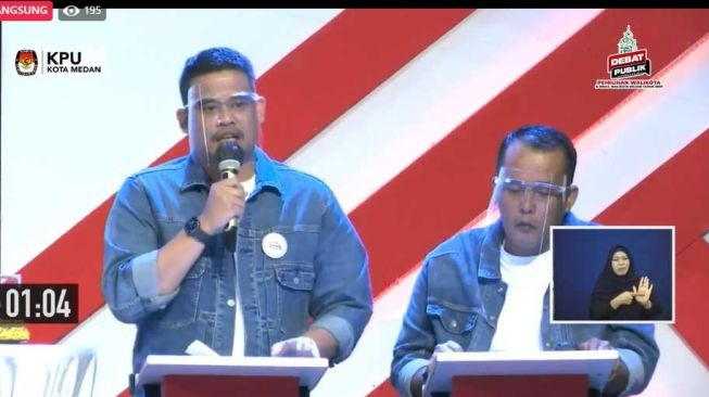 Bobby Nasution-Aulia Rachman di debat Pilkada Medan. [screenshot video]