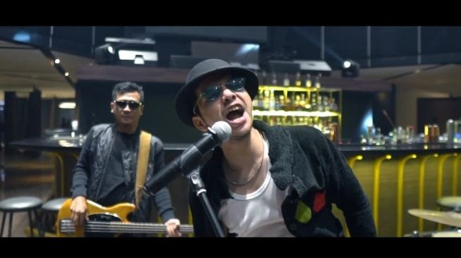 Ahmad Zaki, vokalis Band Kapten dan Lucky Man [YouTube]