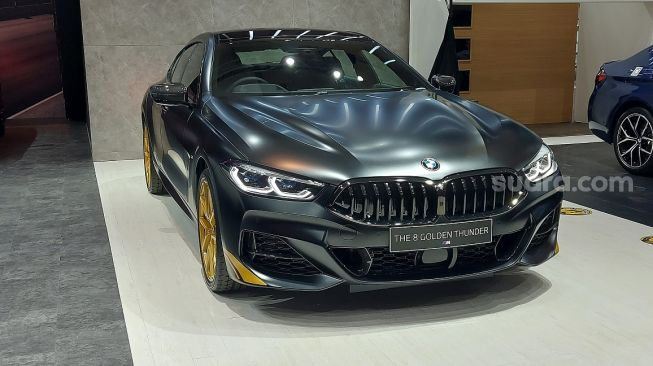 IIMS Hybrid 2021: BMW Seri 8 Golden Thunder Edition Cuma Satu di Indonesia