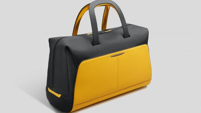 Rolls-Royce Black Badge Escapism Luggage Collection 24 Weekender Forged Yellow [Rolls-Royce Motor Cars].