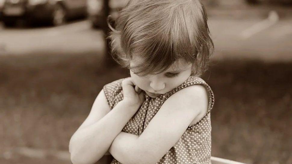 5 Kesalahan Pola Asuh Orang Tua yang Merusak Kepercayaan Diri Anak