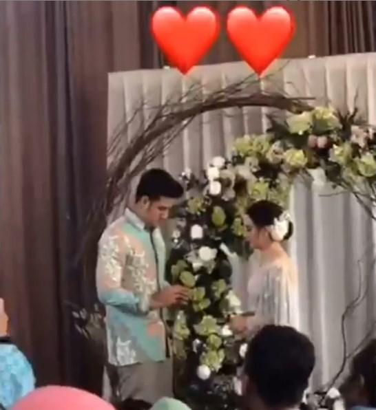 Ammar Zoni dan Irish Bella bertunangan. (Instagram)