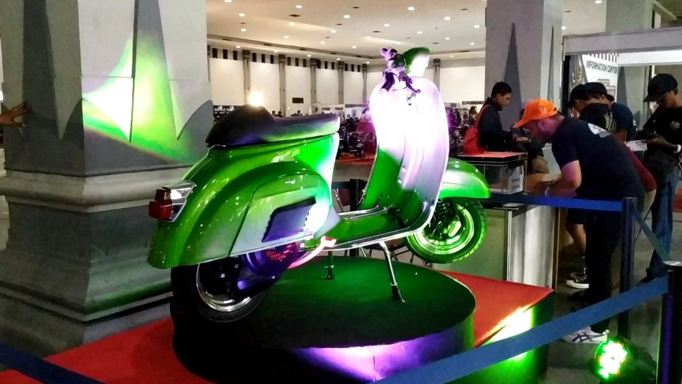 Vespa Darling 90s, Hadiah Lucky Draw Indonesian Scooter Festival 2019. (Mobimoto.com/Praba Mustika)