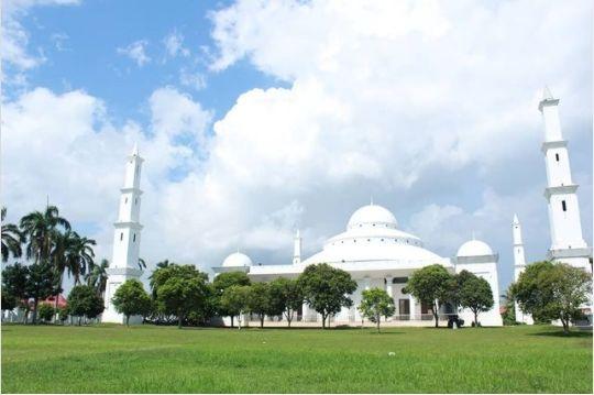 Masjid Raya Akbar At Taqwa di Bengkulu. (Instagram/@hasnahluthfa)