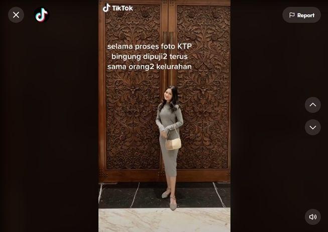 Viral foto KTP gadis ini bikin orang kelurahan terkesima. (TikTok/@faaarara)
